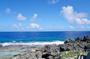 沖縄離島の海の写真素材 [FYI03435980]