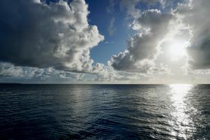 島の海景の写真素材 [FYI03435992]