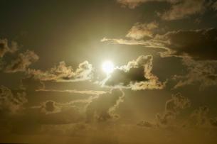 夕陽の写真素材 [FYI03436003]