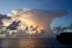 珍しい雲の写真素材 [FYI03436009]