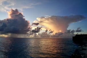 珍しい雲の写真素材 [FYI03436010]