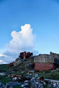 廃れたレンガの建物の写真素材 [FYI03436027]