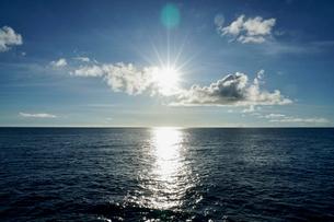 島の海景の写真素材 [FYI03436031]