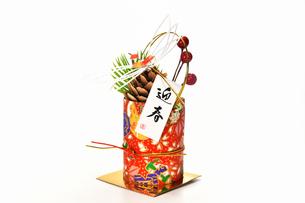 正月飾りの置物の写真素材 [FYI03436194]