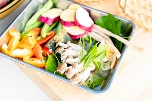料理に使う新鮮な野菜の写真素材 [FYI03436873]