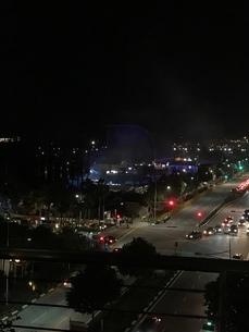 夜 道路 シンガポールの写真素材 [FYI03437129]