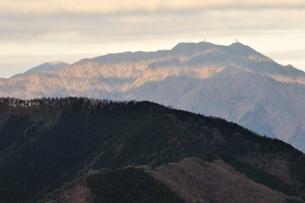 朝日の縞模様の写真素材 [FYI03437753]