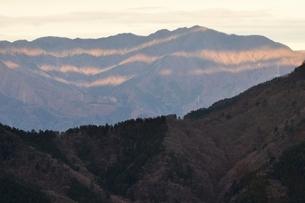 朝日の縞模様の写真素材 [FYI03437755]