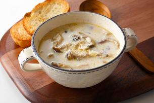 キノコのスープの写真素材 [FYI03438082]