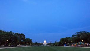 アメリカ合衆国国会議事堂とナショナルモールの写真素材 [FYI03438155]