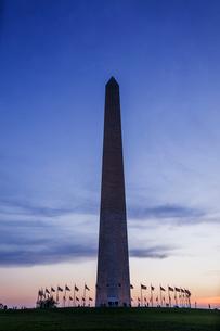 ワシントン・モニュメントの夕景の写真素材 [FYI03438162]
