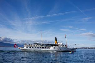 スイス、レマン湖の遊覧船の写真素材 [FYI03438218]