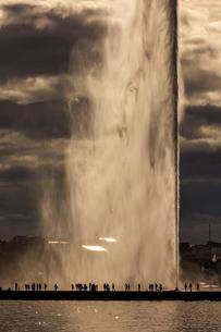 スイス、ジュネーブ大噴水の写真素材 [FYI03438244]