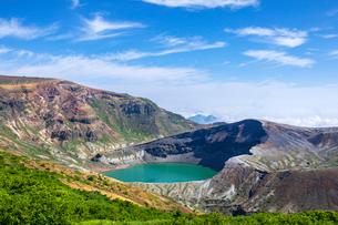 蔵王山の御釜の写真素材 [FYI03438246]