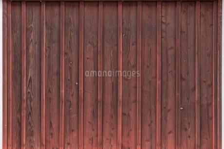 紅い木の壁の写真素材 [FYI03438429]