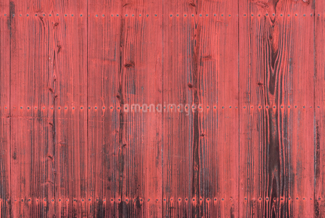 紅い木の壁の写真素材 [FYI03438430]