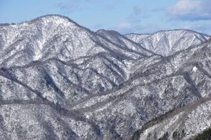 雪景色の西丹沢の写真素材 [FYI03439546]