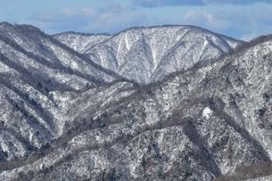 雪景色の大室山の写真素材 [FYI03439549]