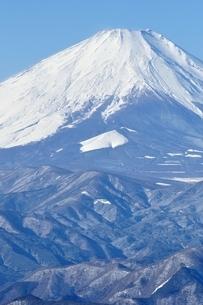 雪景色の富士山展望の写真素材 [FYI03439578]