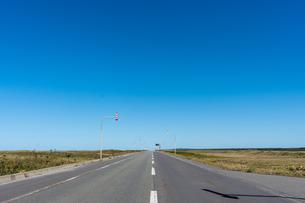 直線道路の写真素材 [FYI03439932]