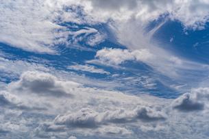 立体感のある雲の写真素材 [FYI03440170]