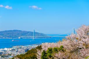 須磨浦山上より明石海峡大橋を望むの写真素材 [FYI03440524]