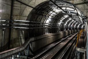 仙台市営地下鉄のトンネルの写真素材 [FYI03440695]