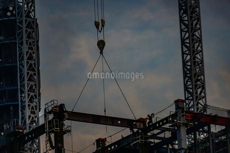 高層ビルの建築現場の写真素材 [FYI03440703]