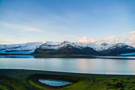 アイスランド・フィヤトルスアゥルロゥン湖の写真素材 [FYI03440738]