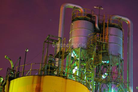 工場夜景の写真素材 [FYI03440747]