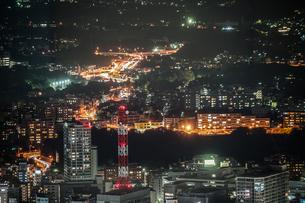 横浜ランドマークタワーから見える夜景の写真素材 [FYI03440798]
