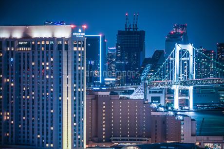 東京・お台場から見える東京の夜景の写真素材 [FYI03440849]