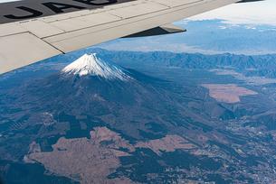 飛行機から見える富士山の写真素材 [FYI03441110]