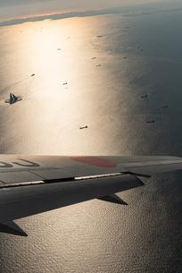飛行機からの見える東京湾の写真素材 [FYI03441111]
