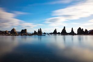 橋杭岩(和歌山県串本町)の写真素材 [FYI03441122]