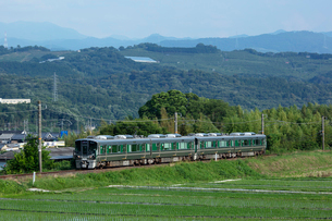 JR西日本、和歌山線の写真素材 [FYI03441126]