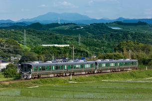 JR西日本、和歌山線の写真素材 [FYI03441129]