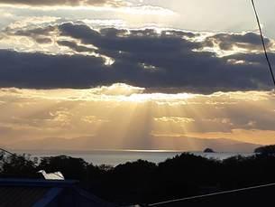 島の夕暮れの写真素材 [FYI03441277]