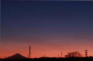 マジックアワーの空の写真素材 [FYI03442379]