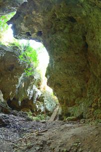 宮古島/伊良部島の洞窟の写真素材 [FYI03442607]