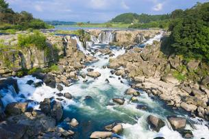 東洋のナイアガラ 曽木の滝の写真素材 [FYI03443003]