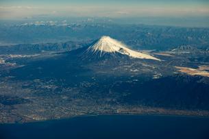 富士山空撮の写真素材 [FYI03443320]