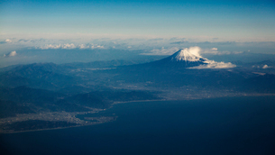 富士山空撮の写真素材 [FYI03443328]