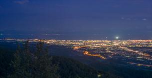 北海道 自然 風景 城岱高原より函館市街遠望 (夜景)の写真素材 [FYI03443609]