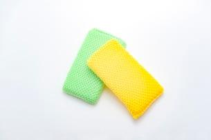 キッチンの食器洗いスポンジの写真素材 [FYI03444156]
