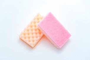 キッチンの食器洗いスポンジの写真素材 [FYI03444164]