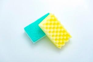 キッチンの食器洗いスポンジの写真素材 [FYI03444166]