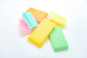 キッチンの食器洗いスポンジの写真素材 [FYI03444169]