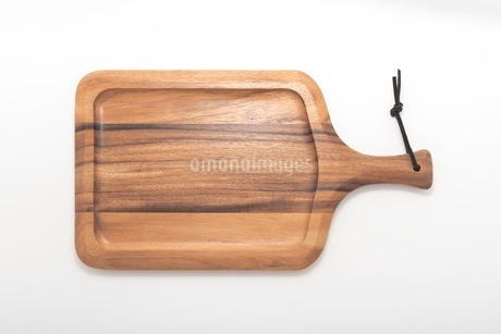 カッティングボード 木製のまな板の写真素材 [FYI03444174]