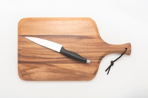 カッティングボード 木製のまな板の写真素材 [FYI03444183]
